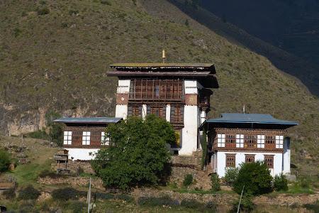 252. manastire Bhutan.JPG