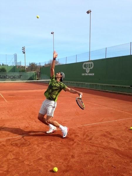 Nadal entrenando para el Open de Brasil