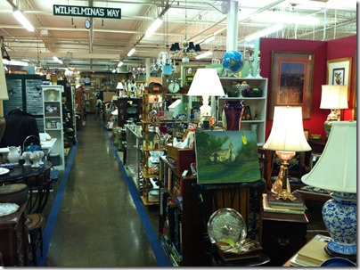 antiquemall 003
