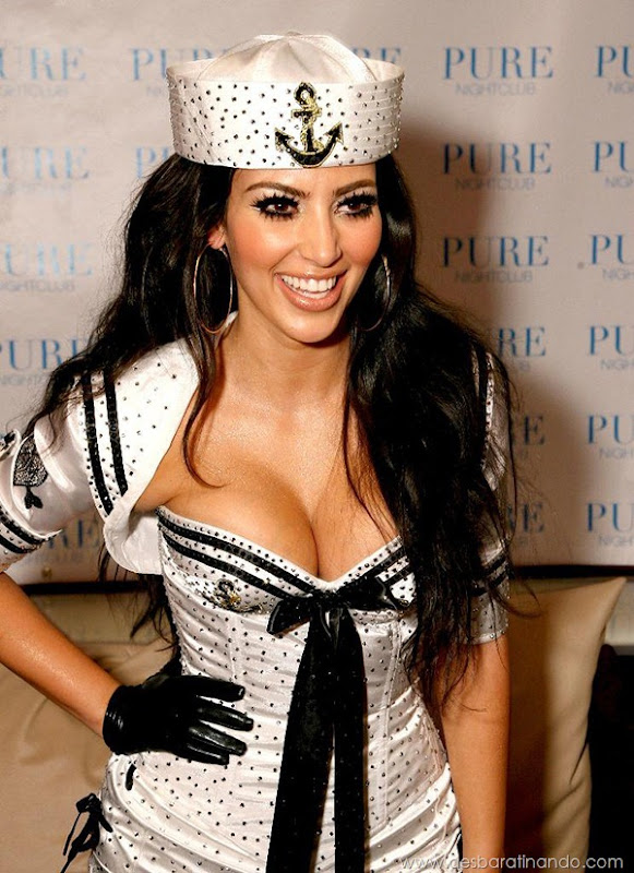 LAS VEGAS - AUGUST 15:  ***EXCLUSIVE COVERAGE*** TV personality Kim Kardashian poses at PURE Nightclub where she performed with the Las Vegas Pussycat Dolls at on August 15, 2008 in Las Vegas, Nevada.  (Photo by Jordan Strauss/WireImage)