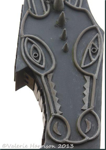 7-sculpture-detail