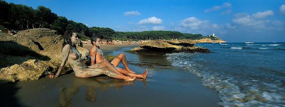 Cala Calabeig o de la Roca Plana, platja nudista, espai protegit del Bosc de la Marquesa,  Tarragona, Tarragonès, Tarragona 2001.08