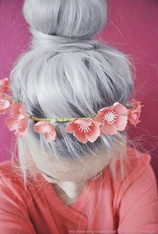 cabelo acinzentado