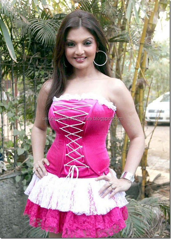 actress_deepshikha_in_hot_dress_05