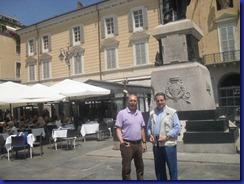 Pino Colombi e Tonino Raffa in Piazza Garibaldi