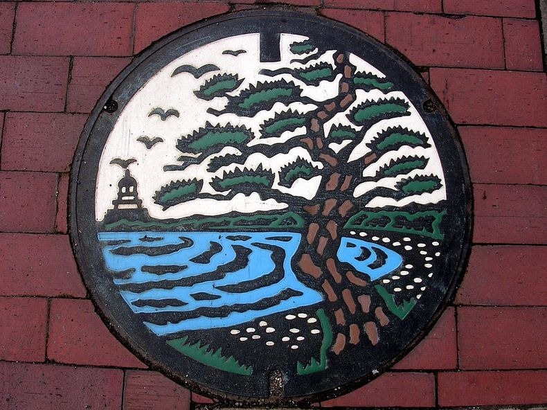 japan-manhole-covers-4