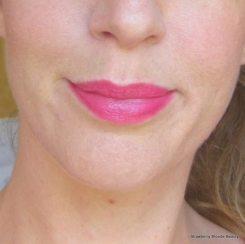 Bourjois-Colour-Boost-Lip-Crayon-Fuchsia-Libre