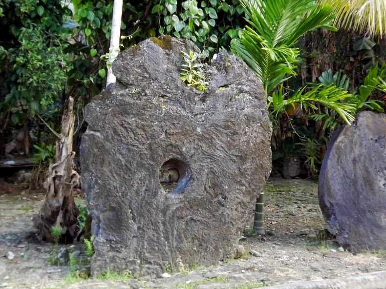 rai-stones-1