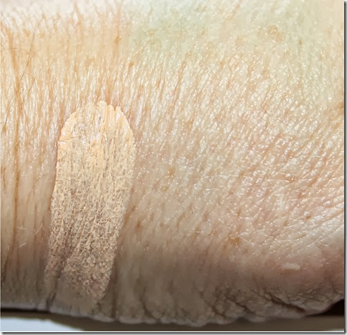 Nars Radiant Cream compact foundation Deauville swatch