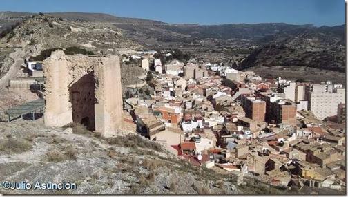 Castillo de Xixona - Vistas de la Torre Grossa y la ciudad
