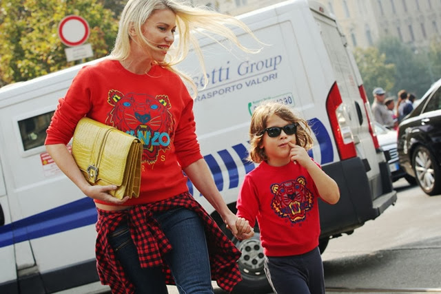 kenzo-tiger-sweatshirt-mother-son-street-style