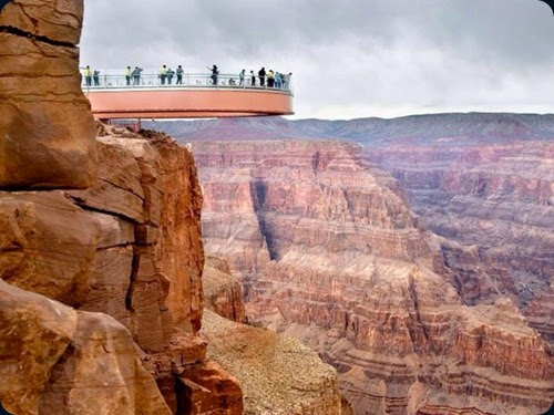Grand-Canyon-Skywalk-Arizona-620x464