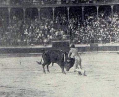 1913-05-28 Joselito estocada Cordoba 3 de feria Palha