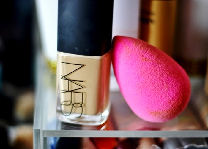 NARS Sheer Glow Stromboli beauty blender