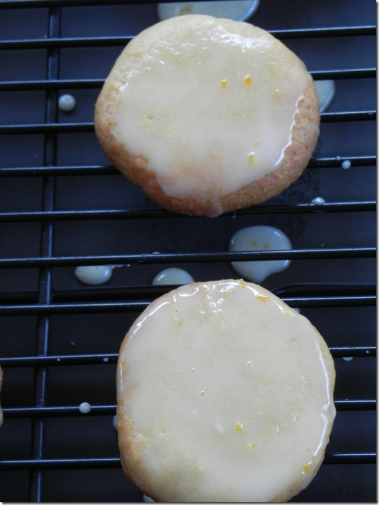 glazed-lemon-cookies-2