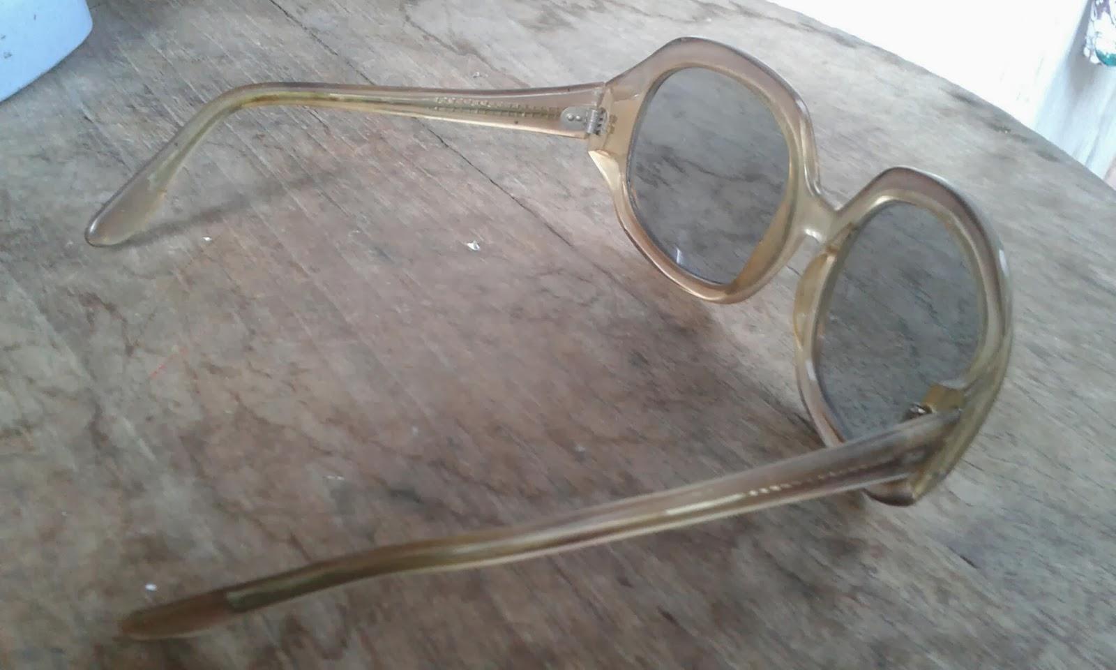 AntikAntikan Kacamata Jadul