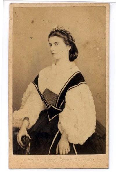 Helene von Thurn und Taxis