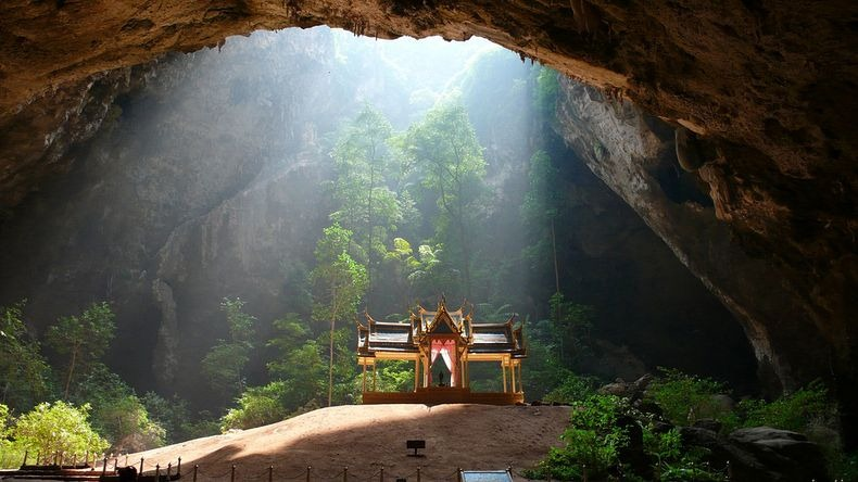 phraya-nakhon-cave-0