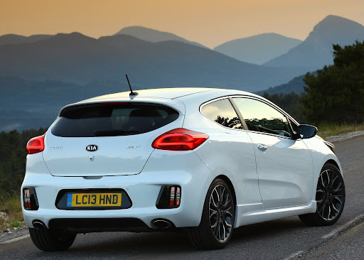 Yeni-Kia-Pro-Ceed-GT-2014-27.jpg