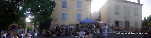 Al Fresco performing