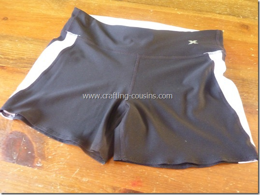 Make your own lap swim or triathlon suit tutorial from The Crafty Cousins (19)
