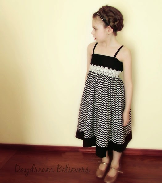 SO Chic! I LOVE this dress from Daydream Believers Designs! Gorgeous, modern, handcrafted clothing for girls. Swoon!