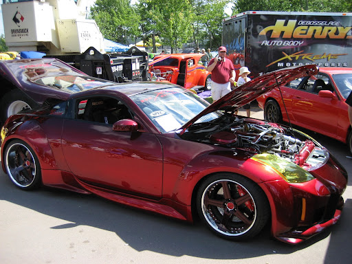 Nissan 350Z Custom Paint Jobs http://picasaweb.google.com/lh/photo/lL5dgMcmvUl6btoMCFS3Vw