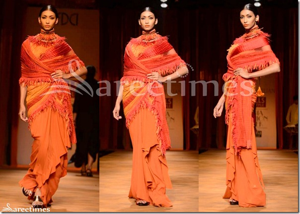 Tarun_Tahiliani_Peach_Saree