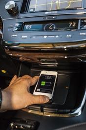 Avalon-2013-Wireless-Charging-2