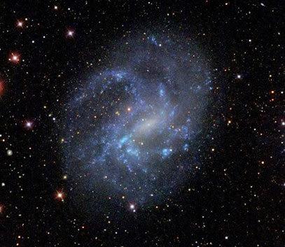 galáxia anã NGC 4395