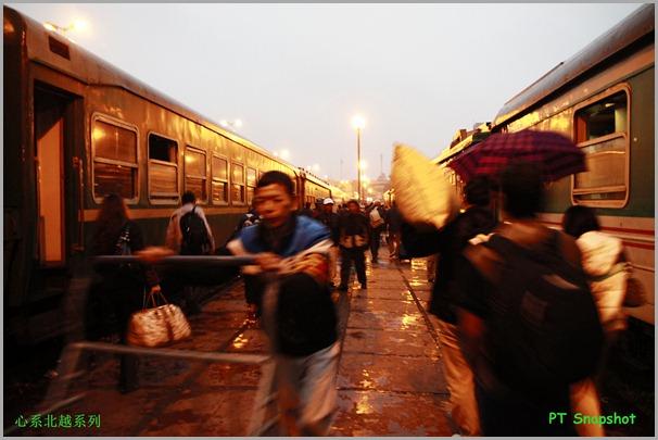 繁忙的火车站