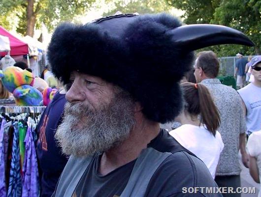 helmets_horned3