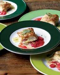 rhubarb-cheese-strudel