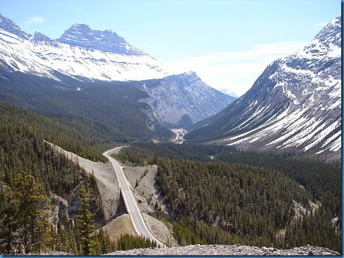 800px-Icefields_Parkway-02