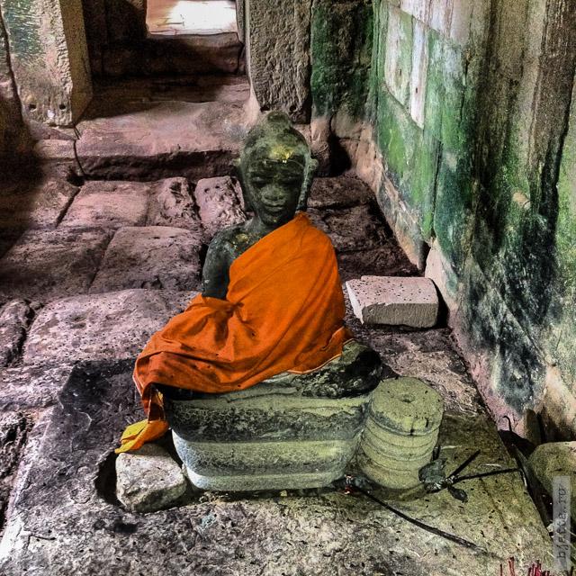6. Ангкор Том, Angkor Tom. А храм уже буддийский, хотя и переходил из рук в руки не раз.