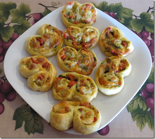 Tomato and Pesto Cheese Spirals 9-27-12