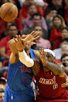 lebron james nba 121225 mia vs okc 08 Miami Heat Win NBA Finals Rematch vs OKC on Christmas Day