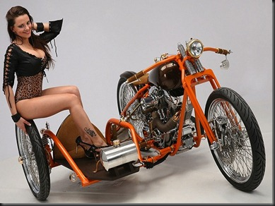 Prometheus-built-by-Motorvisionen-First-Place-in-RevTech-Performance-Class-Motorcycle-with-Biker-Girls-at-Custom-Chrome-Show-2011-2[1]