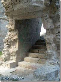 Escaleras de subida a la planta noble del palacio de Tiebas