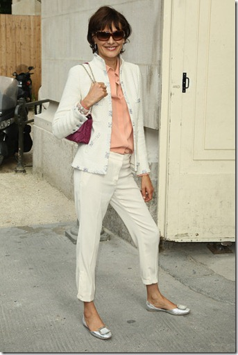 Ines de la Fressange Chanel Arrivals Paris _XtldHaEbP9l