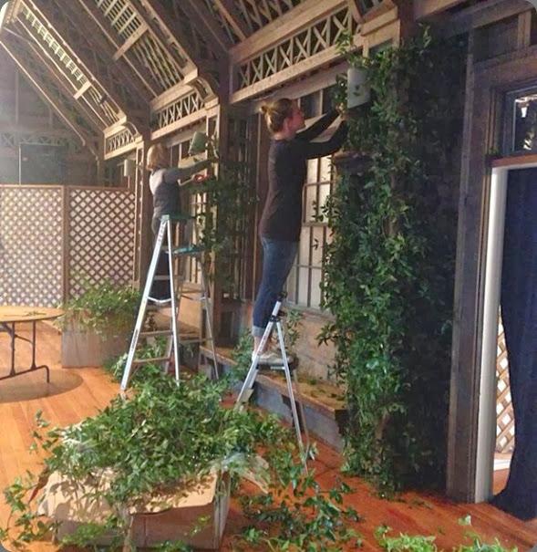 behind the scenes soiree floral 1234148_10151682490667536_1159134221_n