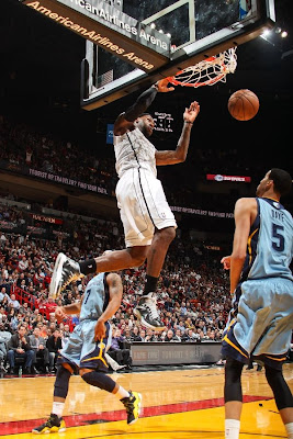 lebron james nba 130301 mia vs mem 19 LeBron Debuts Prism Xs As Miami Heat Win 13th Straight
