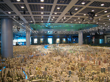 Scale model of Shanghai 2020 vision at Shanghai Urban Planning Museum (Photo from Taj Campbell, Neatorama Website)