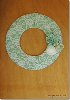 lace, mint, wicker wreath 015-001