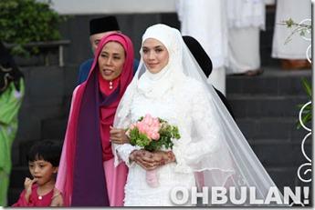 Ibu Mertua Tetap Cool Bila Tahu Dirinya Di Kritik Farid Kamil-1