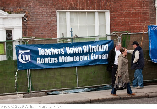 'Protest March - Organised By The Unions' photo (c) 2009, William Murphy - license: https://creativecommons.org/licenses/by-sa/2.0/