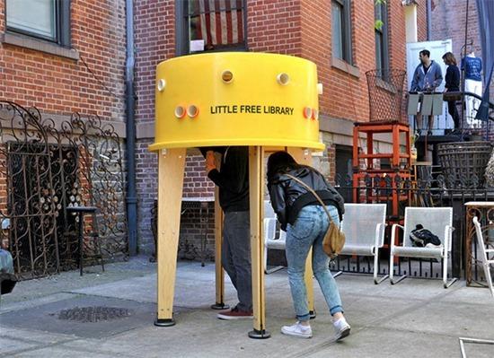 Pequena biblioteca livre (4)