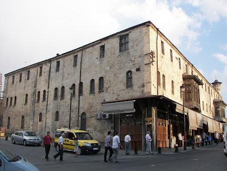 Obiective turistice Anatolia: han de piatra otoman la Antep