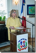 4- La embajadora Rosa Hernádez de Grullón pronuncia las palabras de bienvenida
