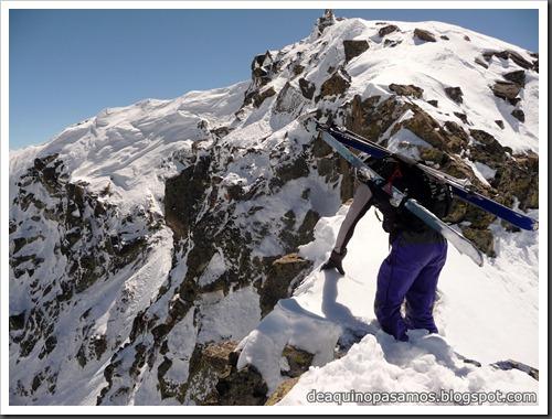 Arista NO y Descenso Cara Oeste con esquís (Pico de Arriel 2822m, Arremoulit, Pirineos) (Omar) 0781
